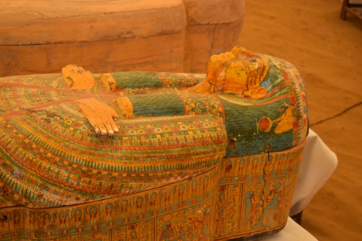 30 mummies coffin egypttoday dot com