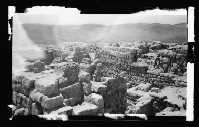 Northern_views._The_excavations_at_Samaria._Ruins_of_Omri's_Palace_LOC_matpc.22584