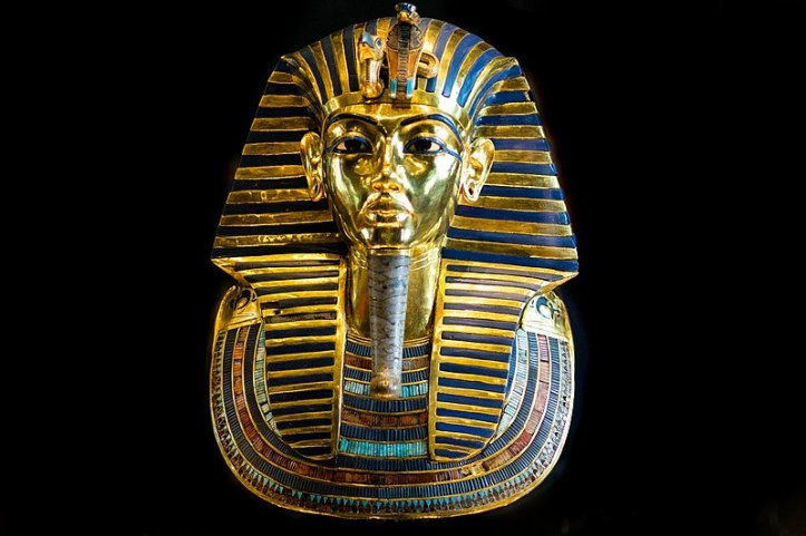 800px-King_Tut_Burial_Mask_(23785641449)
