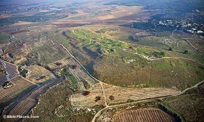 Gezer-aerial-from-northwest-tbs136170112-bibleplaces